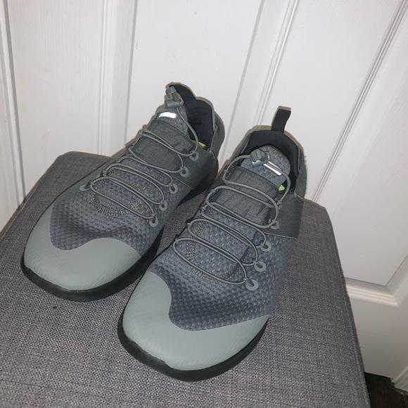 buy online 36f6f 4767e Nike Free Run Commuter 2